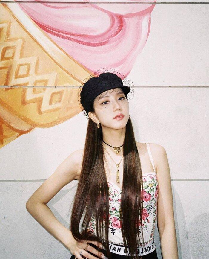 Từ Jisoo cho đến Lisa Black Pink nhận được 'cơn mưa' khen ngợi lẫn từ tạp chí hàng đầu thế giới Ảnh 4