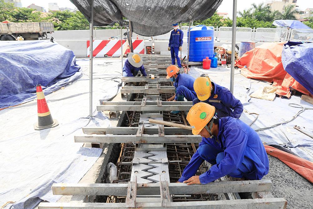 Toàn cảnh cầu cạn đoạn Mai Dịch - Nam Thăng Long trước ngày thông xe Ảnh 3