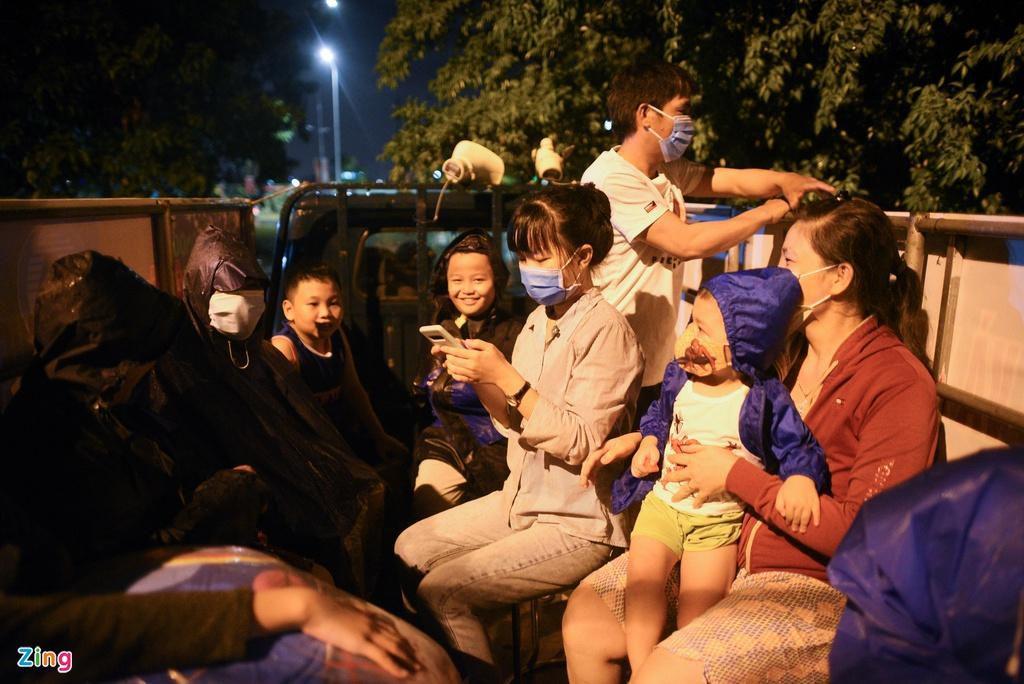 Đà Nẵng sơ tán người dân trong đêm Ảnh 3