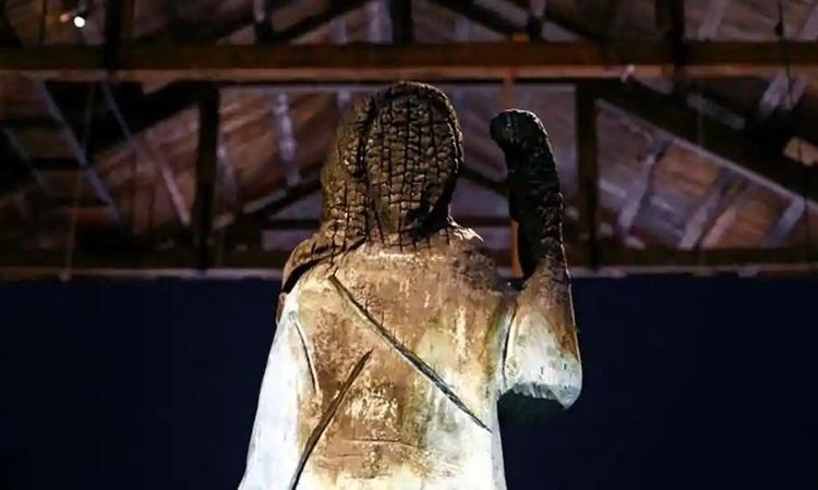 Khánh thành bức tượng đồng mới của Đệ nhất phu nhân Melania tại quê nhà Slovenia Ảnh 3