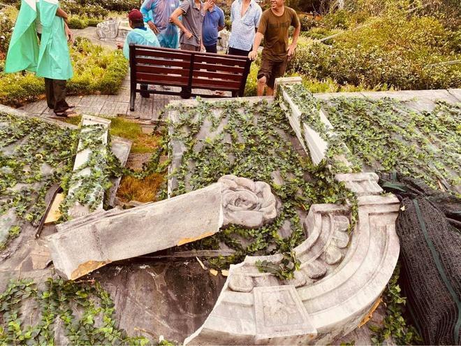 Phim trường 'Gái già lắm chiêu' bị hư hại do bão Ảnh 1