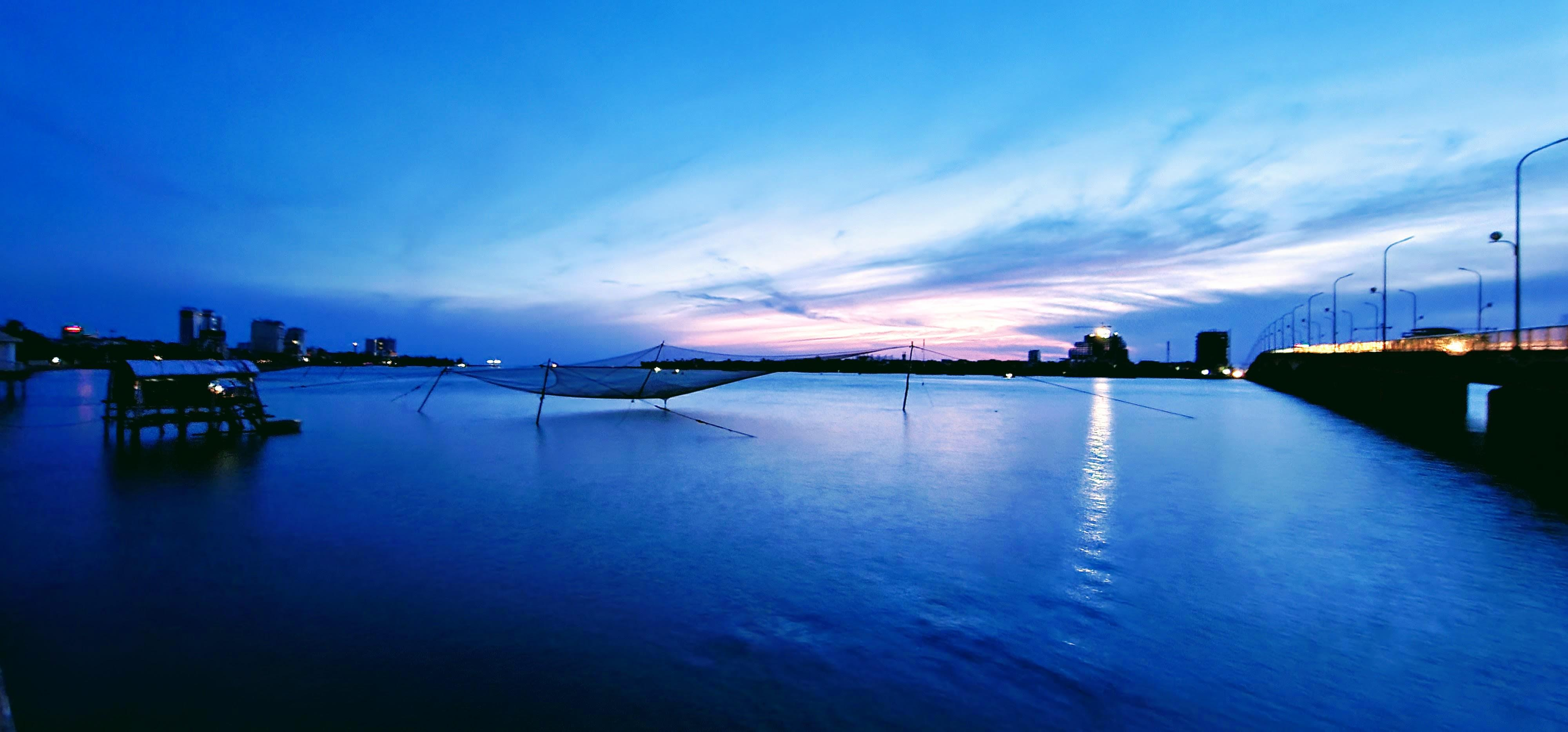 Đôi bờ sông Nhật Lệ bừng sáng sau khi được chỉnh trang Ảnh 1