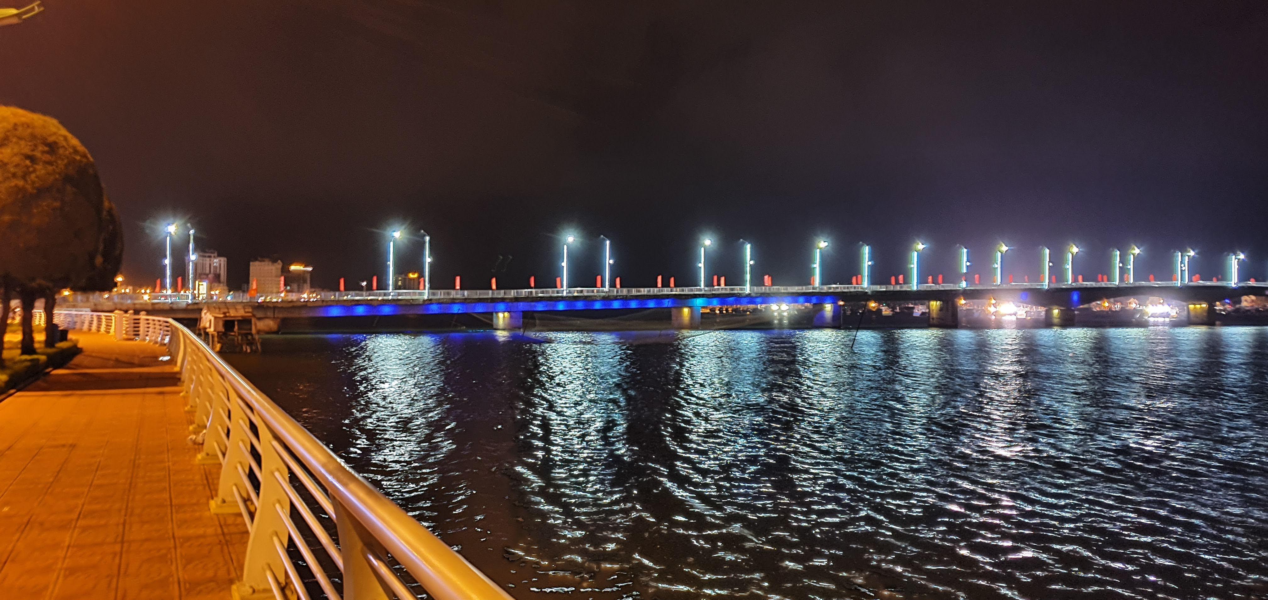 Đôi bờ sông Nhật Lệ bừng sáng sau khi được chỉnh trang Ảnh 8