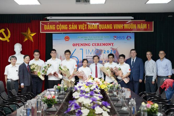 Sáu học sinh Việt Nam dự thi Olympic toán quốc tế Ảnh 1