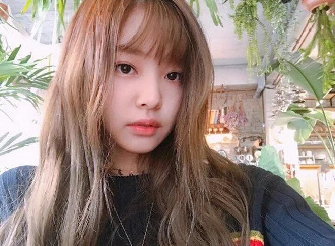 Nhạc gì Jennie cũng nhảy: Cùng là để tóc mái mà lúc thì ngây thơ trong sáng, khi lại quyến rũ lịm người Ảnh 2