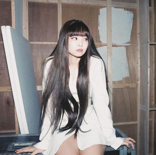 Nhạc gì Jennie cũng nhảy: Cùng là để tóc mái mà lúc thì ngây thơ trong sáng, khi lại quyến rũ lịm người Ảnh 3