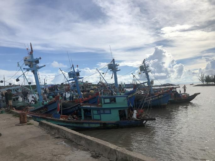 Trao 2.000 lá cờ Tổ quốc cho ngư dân huyện An Minh Ảnh 5
