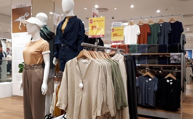 'Đột nhập' cửa hàng Uniqlo thứ hai tại Hà Nội trước ngày khai trương Ảnh 6