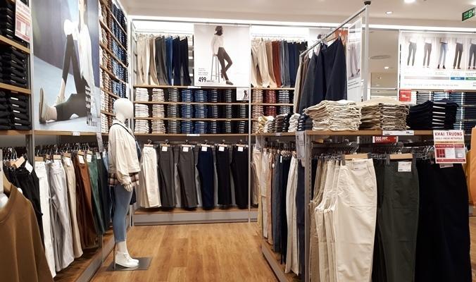 'Đột nhập' cửa hàng Uniqlo thứ hai tại Hà Nội trước ngày khai trương Ảnh 3