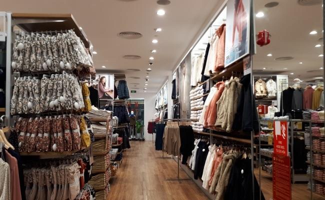 'Đột nhập' cửa hàng Uniqlo thứ hai tại Hà Nội trước ngày khai trương Ảnh 1