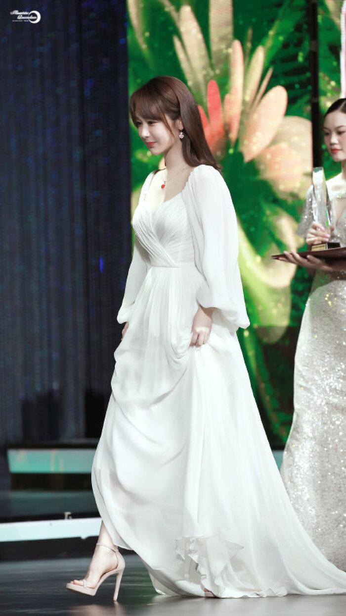 Buổi tuyên dương đề cử của giải Kim Kê Bách Hoa: Dịch Dương Thiên Tỉ cạnh tranh với đàn anh, Dương Tử xinh đẹp rạng ngời Ảnh 20