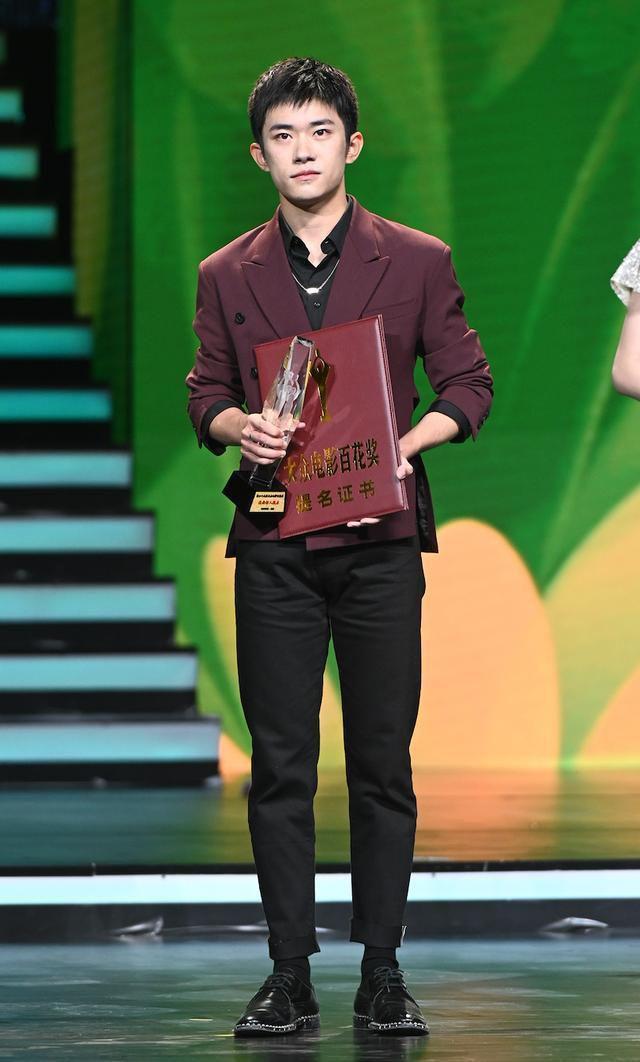 Buổi tuyên dương đề cử của giải Kim Kê Bách Hoa: Dịch Dương Thiên Tỉ cạnh tranh với đàn anh, Dương Tử xinh đẹp rạng ngời Ảnh 7