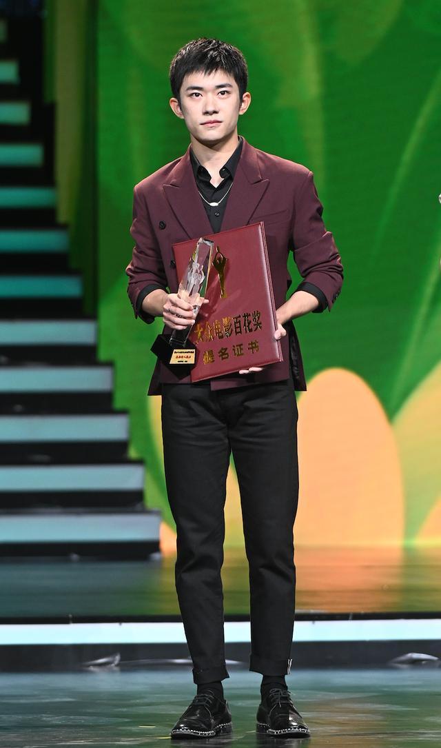 Buổi tuyên dương đề cử của giải Kim Kê Bách Hoa: Dịch Dương Thiên Tỉ cạnh tranh với đàn anh, Dương Tử xinh đẹp rạng ngời Ảnh 8