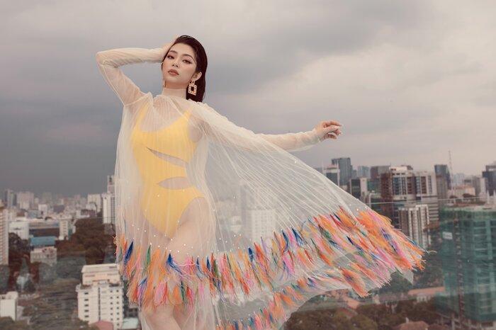 Top 5 Hoa hậu biển Việt Nam khiến fan xuýt soa với bikini nóng bỏng, khoe trọn đường cong 'số đo vàng' Ảnh 2