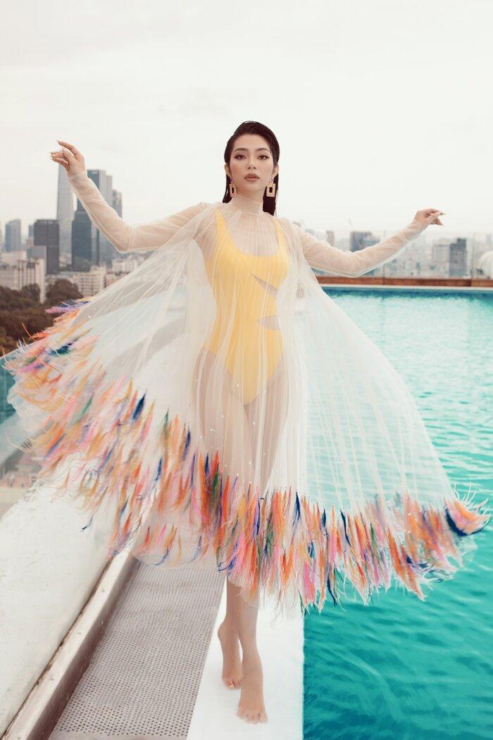 Top 5 Hoa hậu biển Việt Nam khiến fan xuýt soa với bikini nóng bỏng, khoe trọn đường cong 'số đo vàng' Ảnh 4