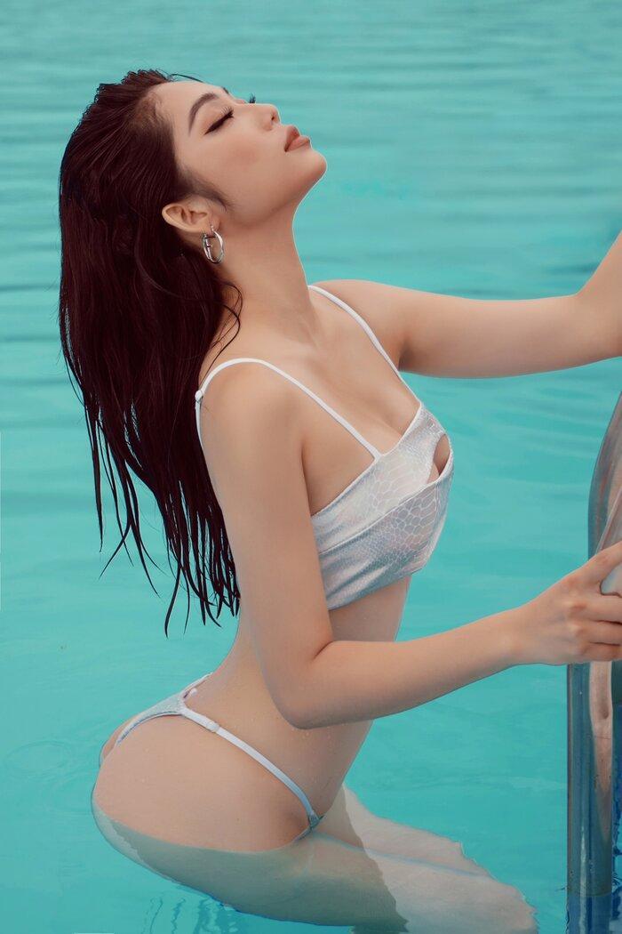 Top 5 Hoa hậu biển Việt Nam khiến fan xuýt soa với bikini nóng bỏng, khoe trọn đường cong 'số đo vàng' Ảnh 14