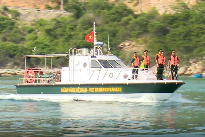 Ra quân kiểm tra, duy trì an ninh trật tự trên đảo Bình Hưng Ảnh 1