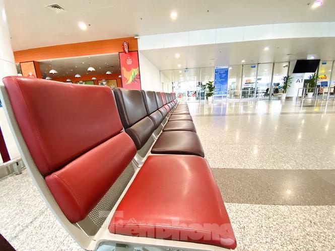 Sân bay Nội Bài sôi động trở lại sau kỳ nghỉ 'COVID -19' Ảnh 13
