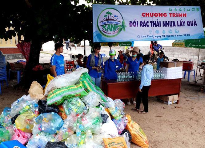 Nhiều hoạt động của tuổi trẻ trong phong trào 'Chống rác thải nhựa' Ảnh 2