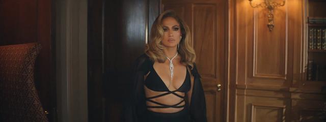 Jennifer Lopez diện thiết kế xuyên thấu của nhà mốt Công Trí Ảnh 1