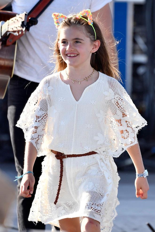 Con gái thiên thần nội y thích mặc đồ màu sắc Ảnh 2