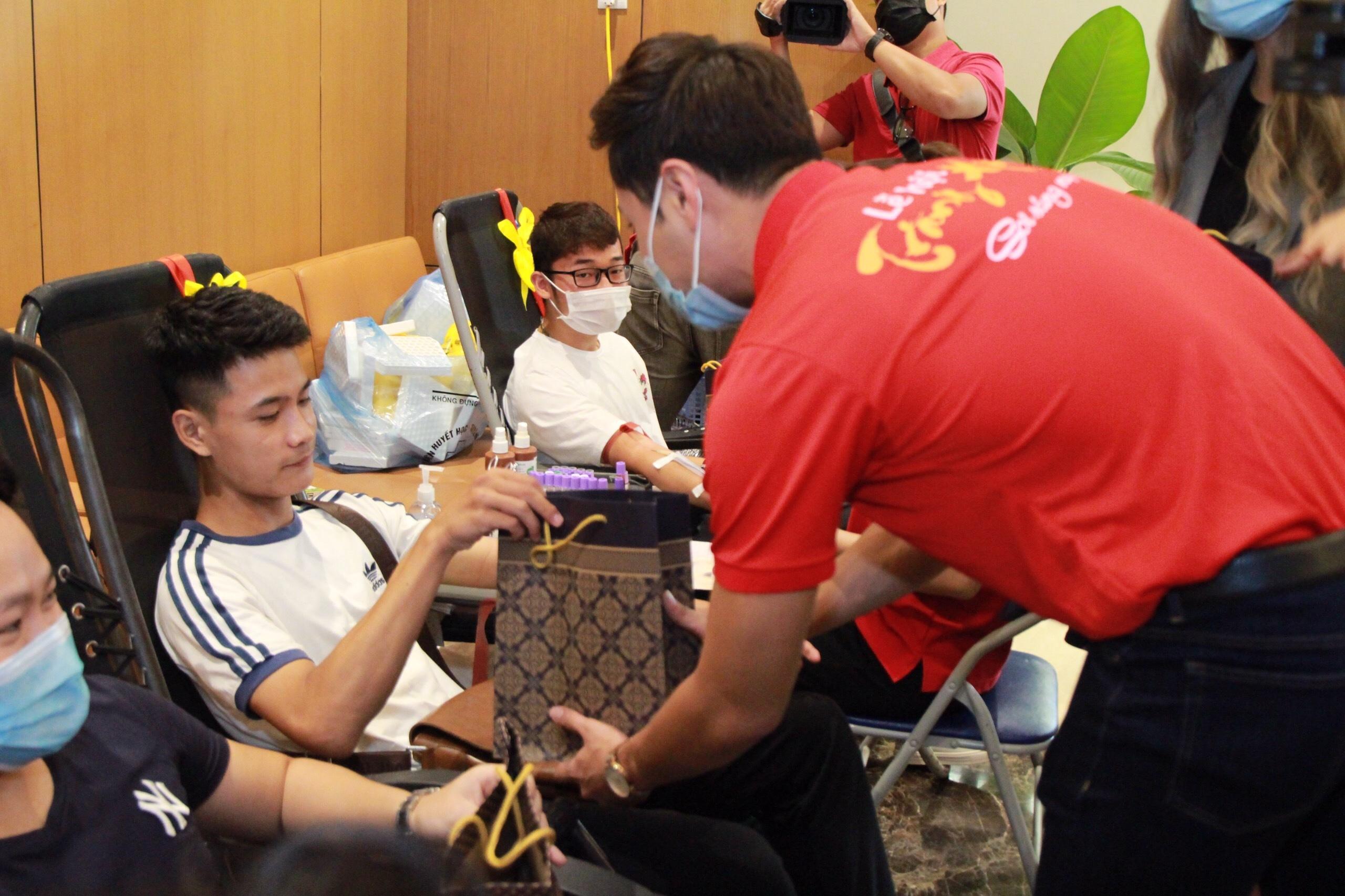 Thanh Sơn đi hiến máu tình nguyện dịp Trung thu Ảnh 5