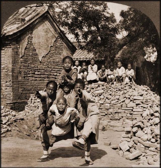 Loạt ảnh quý giá phản ánh chân thật cuộc sống người Trung Quốc trong giai đoạn biến động vào cuối thời nhà Thanh Ảnh 7