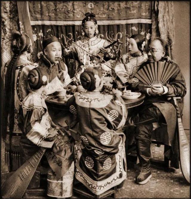 Loạt ảnh quý giá phản ánh chân thật cuộc sống người Trung Quốc trong giai đoạn biến động vào cuối thời nhà Thanh Ảnh 6