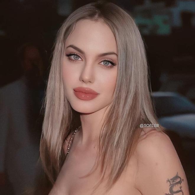 Dân tình đang náo loạn vì bộ ảnh Angelina Jolie ở thời kỳ đẹp nhất: Mặt như tạc, body 'ngộp thở', bảo sao Brad Pitt mê mệt Ảnh 2