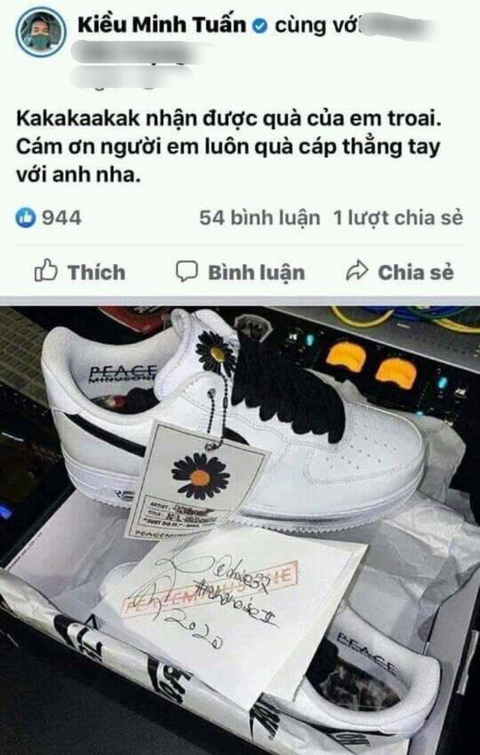 Kiều Minh Tuấn háo hức khoe được tặng giày G-Dragon thiết kế, ai ngờ bị dân mạng 'bóc phốt' thế này đành phải xóa bài vội vàng Ảnh 1