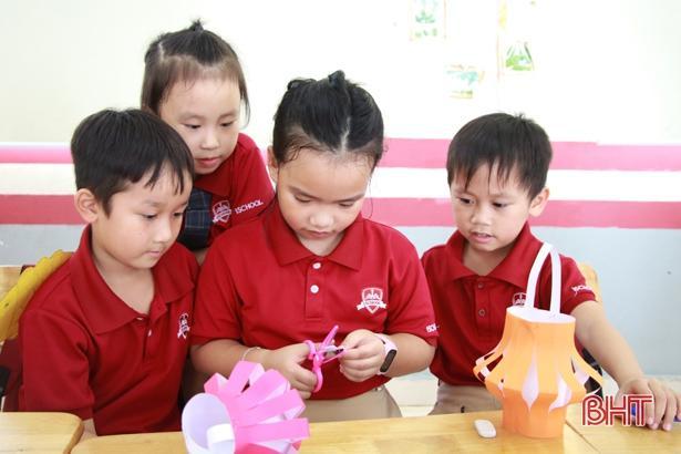 'Bay lên cung trăng' cùng học sinh iSchool Hà Tĩnh Ảnh 7