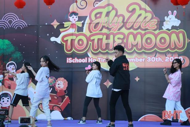'Bay lên cung trăng' cùng học sinh iSchool Hà Tĩnh Ảnh 12