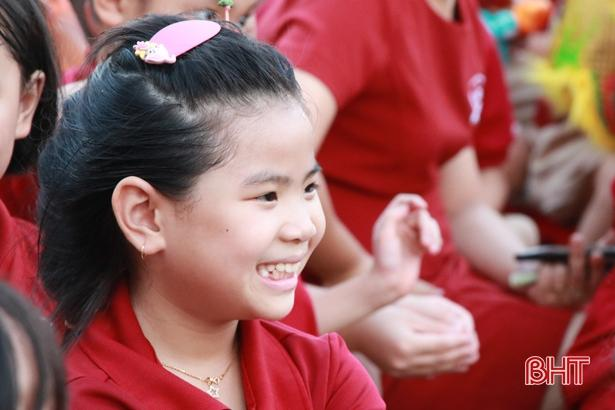 'Bay lên cung trăng' cùng học sinh iSchool Hà Tĩnh Ảnh 13