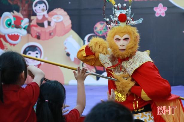 'Bay lên cung trăng' cùng học sinh iSchool Hà Tĩnh Ảnh 10