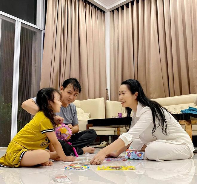 Phạm Quỳnh Anh, Đăng Khôi đón Trung thu cùng con Ảnh 11