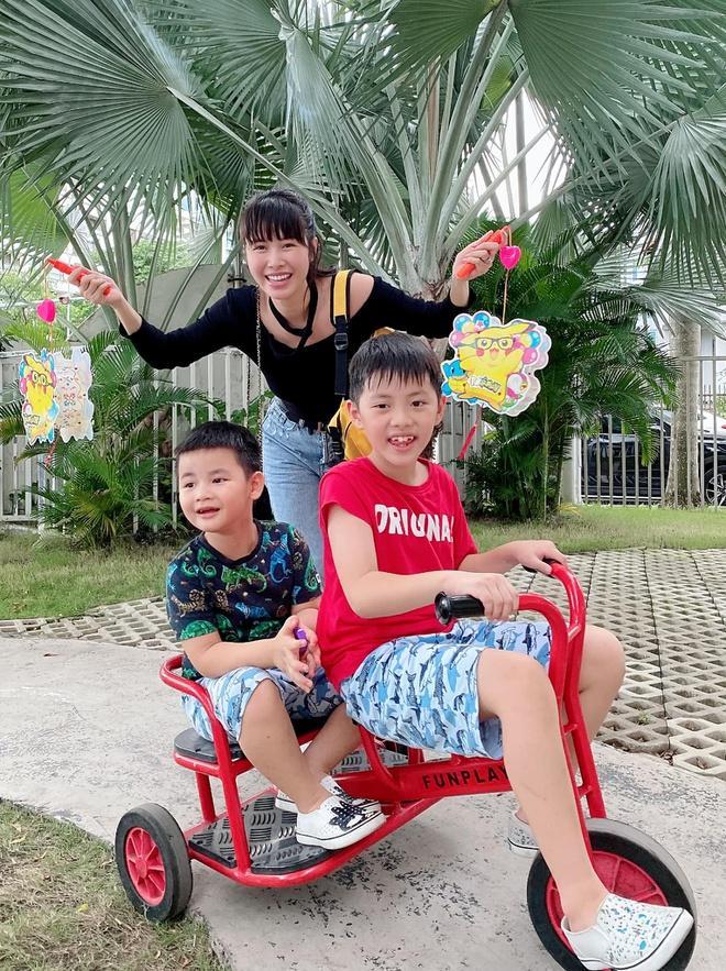 Phạm Quỳnh Anh, Đăng Khôi đón Trung thu cùng con Ảnh 3