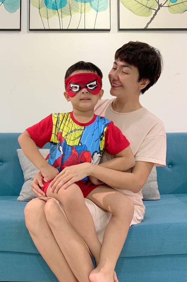 Phạm Quỳnh Anh, Đăng Khôi đón Trung thu cùng con Ảnh 9