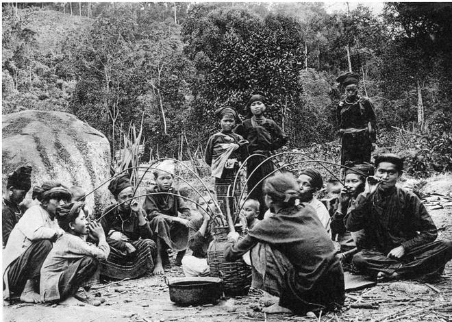 Ảnh chụp sinh hoạt của người Việt hơn 100 năm trước Ảnh 4