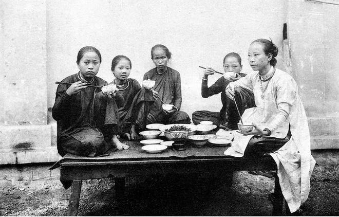 Ảnh chụp sinh hoạt của người Việt hơn 100 năm trước Ảnh 12