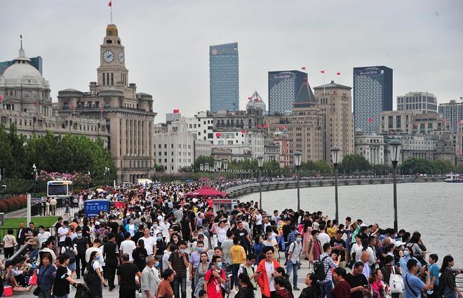 425 triệu chuyến đi trong nửa đầu 'tuần lễ vàng' ở Trung Quốc Ảnh 1