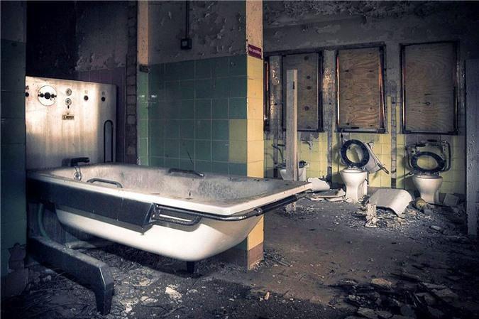 Ám ảnh trước khung cảnh bệnh viện tâm thần bị bỏ hoang Ảnh 5