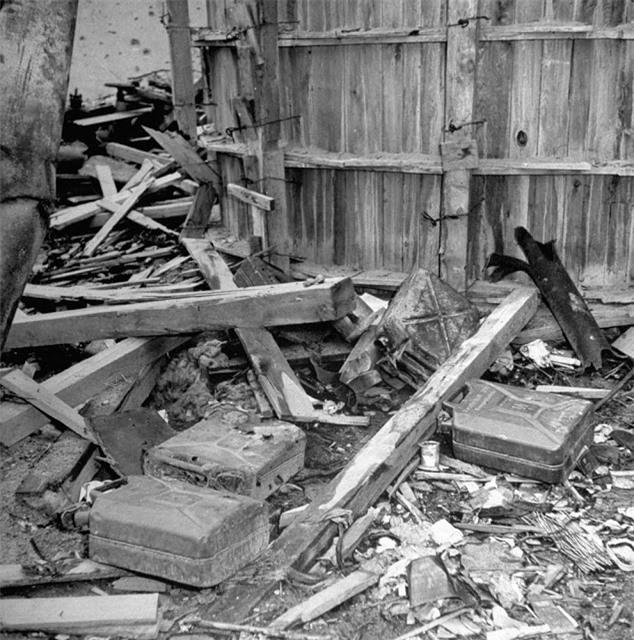 'Ám ảnh' cảnh tượng bên trong boongke của Hitler và Berlin hoang tàn Ảnh 14