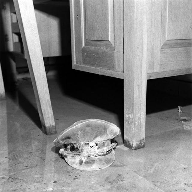 'Ám ảnh' cảnh tượng bên trong boongke của Hitler và Berlin hoang tàn Ảnh 9