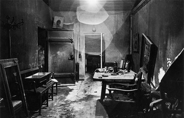 'Ám ảnh' cảnh tượng bên trong boongke của Hitler và Berlin hoang tàn Ảnh 2