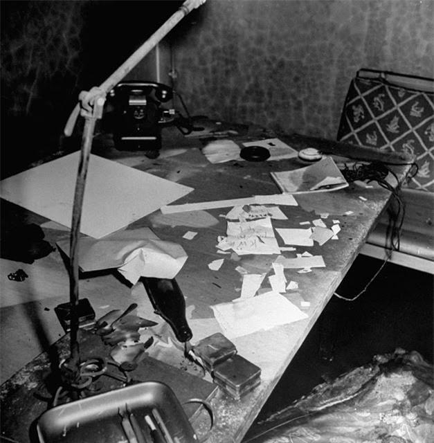 'Ám ảnh' cảnh tượng bên trong boongke của Hitler và Berlin hoang tàn Ảnh 8
