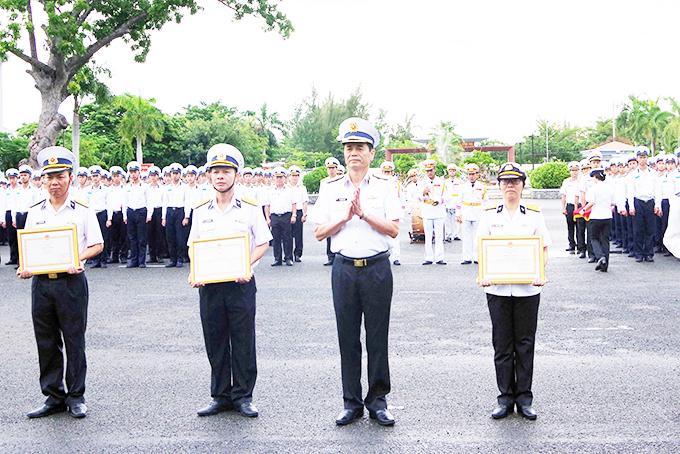 Học viện Hải quân: Nhiều tập thể, cá nhân được khen thưởng Ảnh 1
