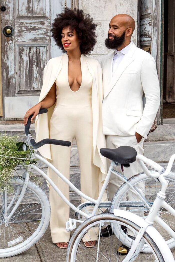 9 bộ váy cưới 'khác bọt' gây tốn giấy mực của người nổi tiếng Ảnh 3