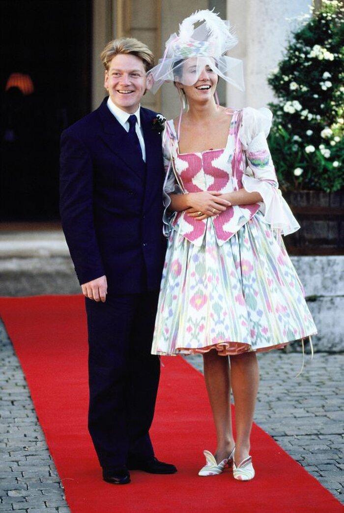 9 bộ váy cưới 'khác bọt' gây tốn giấy mực của người nổi tiếng Ảnh 1