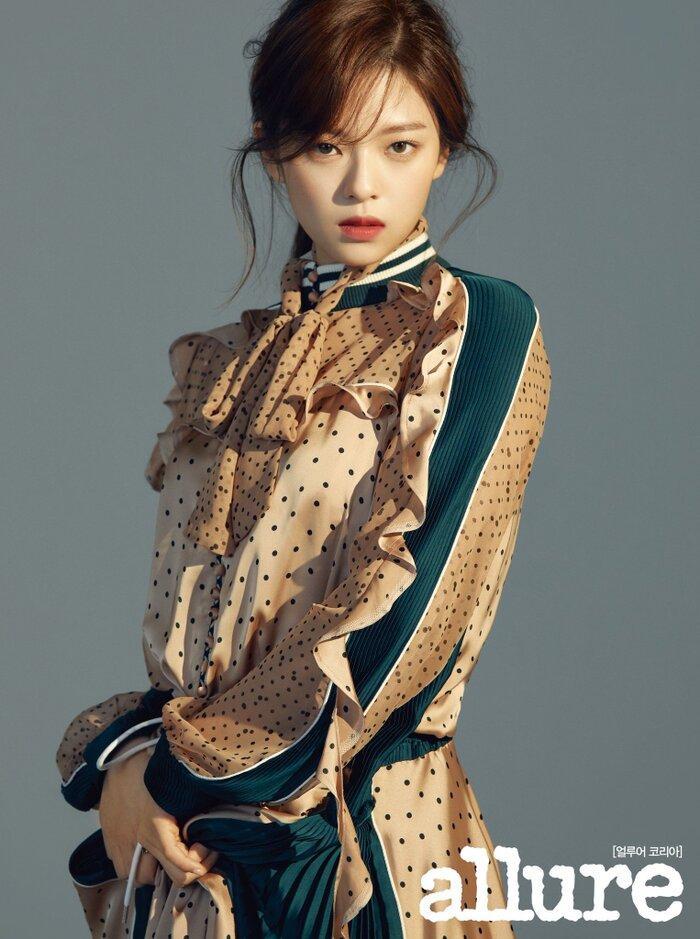 5 idol K-Pop có phụ huynh siêu nổi tiếng tại Hàn Quốc, sinh ra đã ngậm thìa vàng Ảnh 16