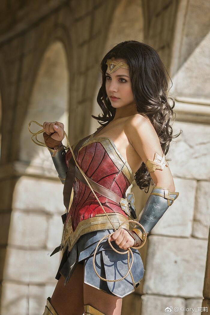 Cùng ngắm loạt ảnh cosplay xinh đẹp mà đầy khí chất về Wonder Woman Ảnh 6